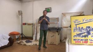 Giovanni Kronenberg in studio a Milano